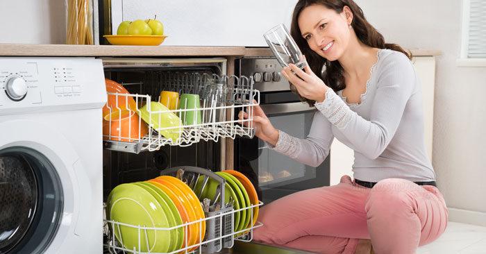 Brillantante lavastoviglie fai da te