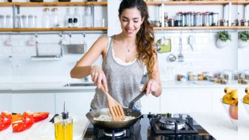Cucinare risparmiando: gli elettrodomestici
